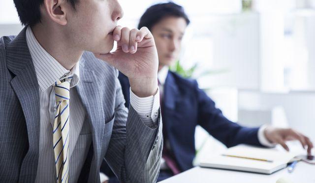 セキュリティエンジニアへの転職を考える男性