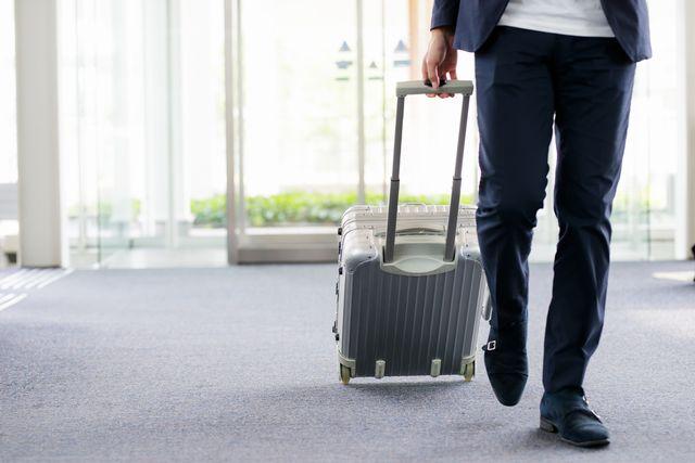 転職の為海外に旅立つ40代男性