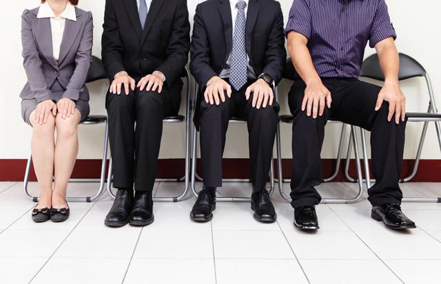 転職を成功させる面接に挑む人