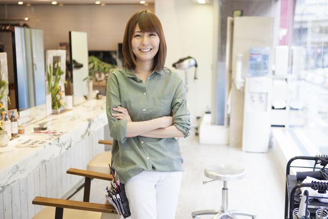 40代の女性美容師