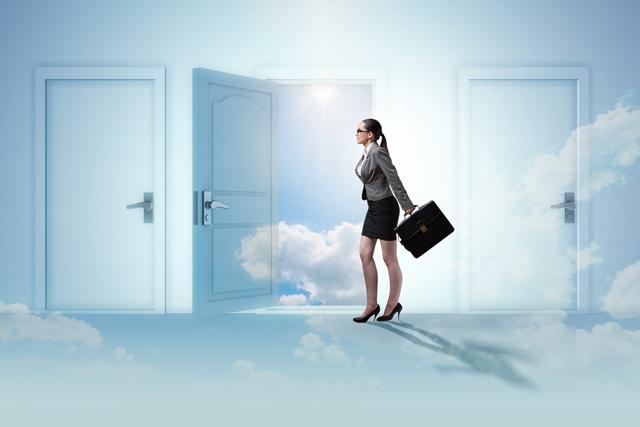 年齢で落とされずに転職成功へ向かう女性