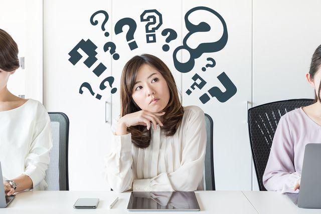 プリセールスの仕事に疑問を抱く女性