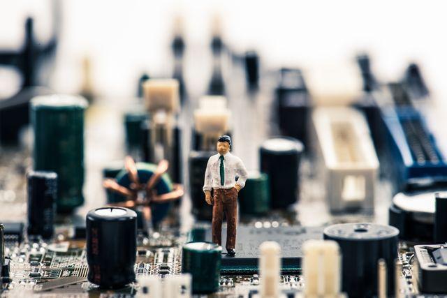 ネットワーク構築の将来性に悩む人
