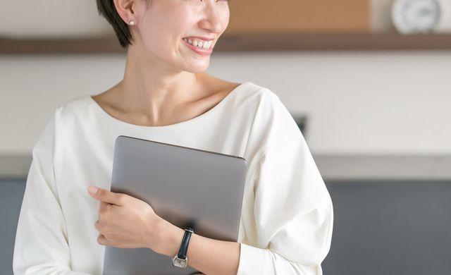 特許事務の40代女性 イメージ