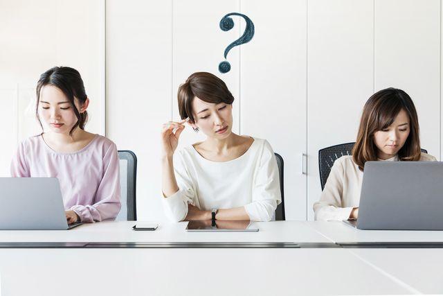 転職成功に疑問を抱く50代女性