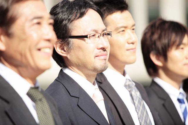 転職について考える50代男性