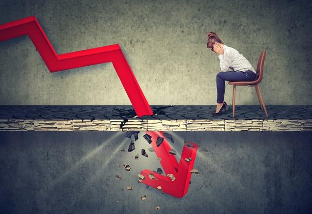 就職によるリスクに直面する40代女性