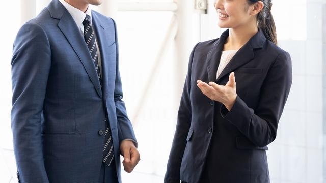 派遣会社や人材紹介会社から応募する男性