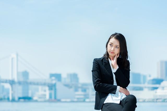 キャリアプランを考える30歳の女性