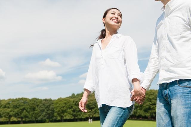 結婚に際し転職に成功した女性と夫