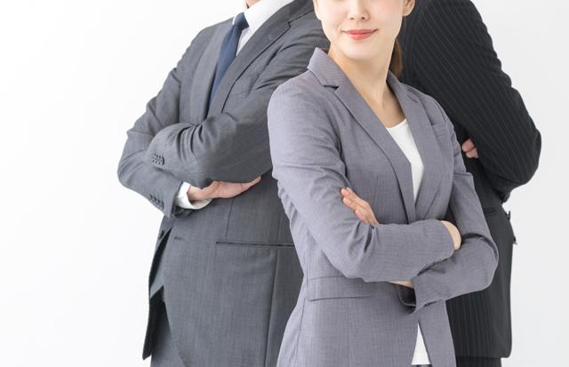 働く女性と男性