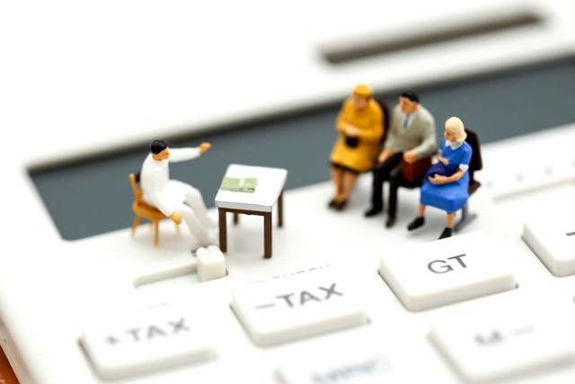 ケアマネージャー 企業規模や役職別の給料