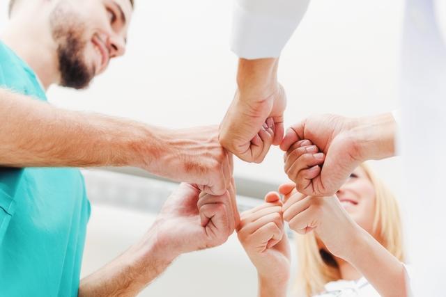 介護転職 職場環境イメージ